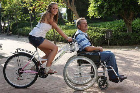 Велосипед для инвалидов до соломенного дома довезет